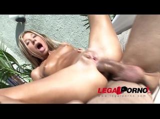 Смотреть порно видео блондинки с маленькой грудью онлайн
