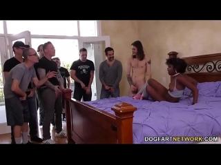 kak-poimeli-dlinnonoguyu-mulatku-porno-video-paren-imeet-devushku-a-ego-paren