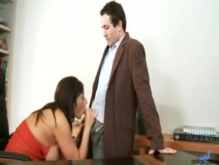 Секс видео мастурбация секретарши фото 595-771