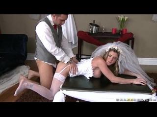 Поимел невесту в чулках порно-фото