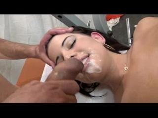 Порно видео яйца на лице